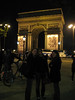 Stop by the Arc de Triomphe for Heike